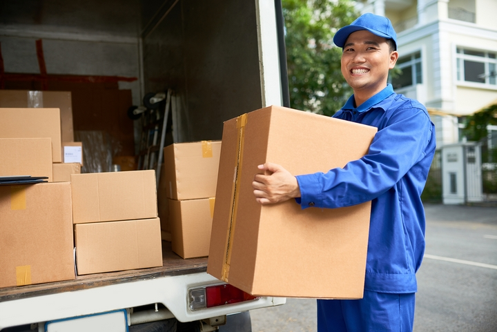 4 Tips to Save Money on Moving Costs